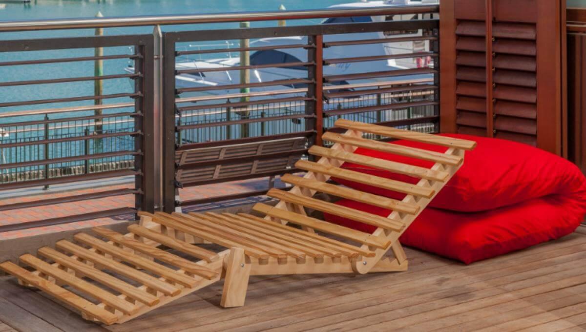 Siesta - in 'deck chair' position - queen size